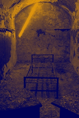 jail-cell-at-the-eastern-state-penitentiary-philadelphia-pennsylvania-wikipedia-tinted