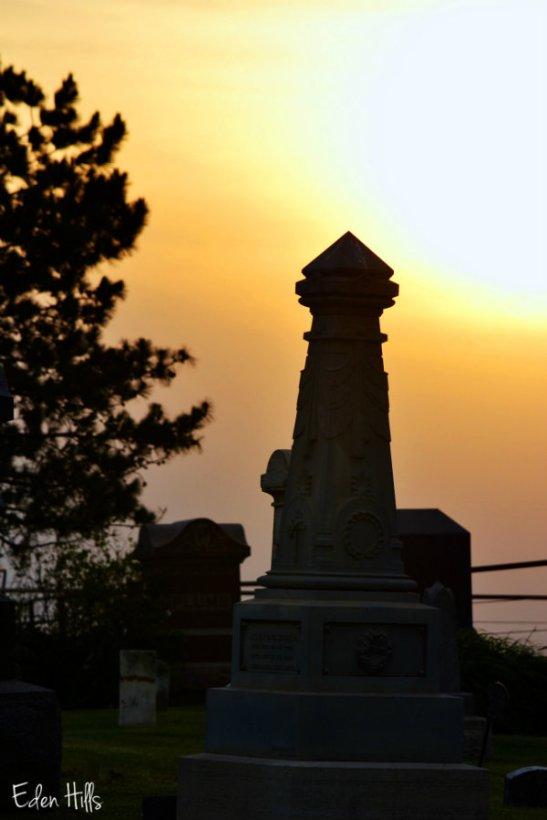 headstone silhouette_0255e
