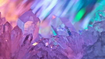 article-migration-image-how-to-work-with-crystals