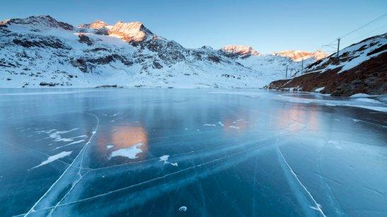rocks-frozen-lake